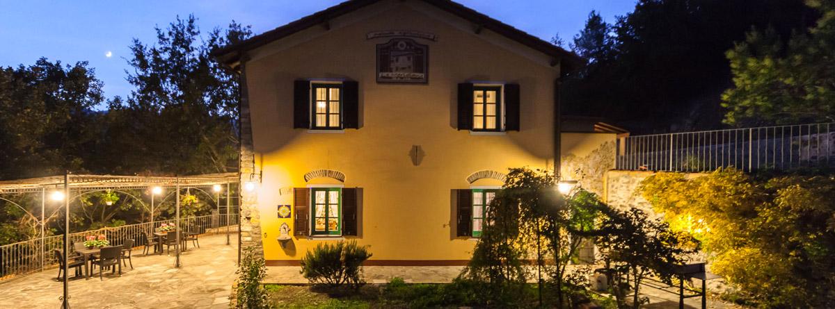 Le Meridiane Azienda Agrituristica vista serale della casa
