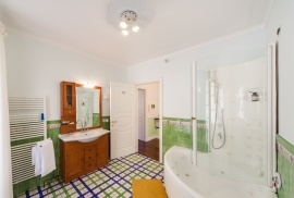 Le Meridiane Farm-holiday centre, the main bathroom
